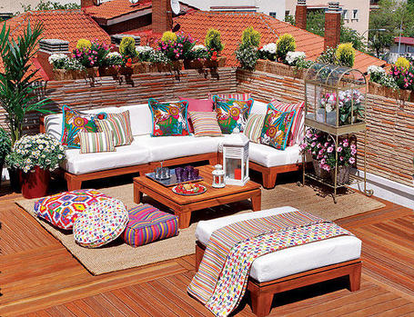 Terraza o jard n con decoraci n 10 - Ideas decorar terraza ...